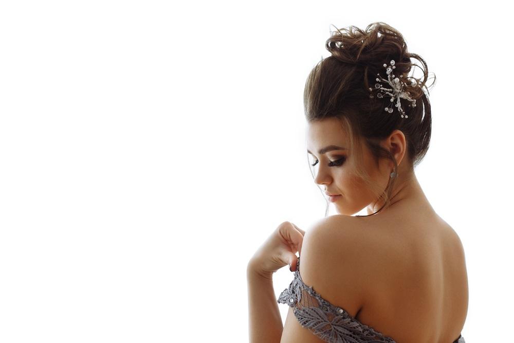 シミやくすみの原因と美白化粧水の選び方