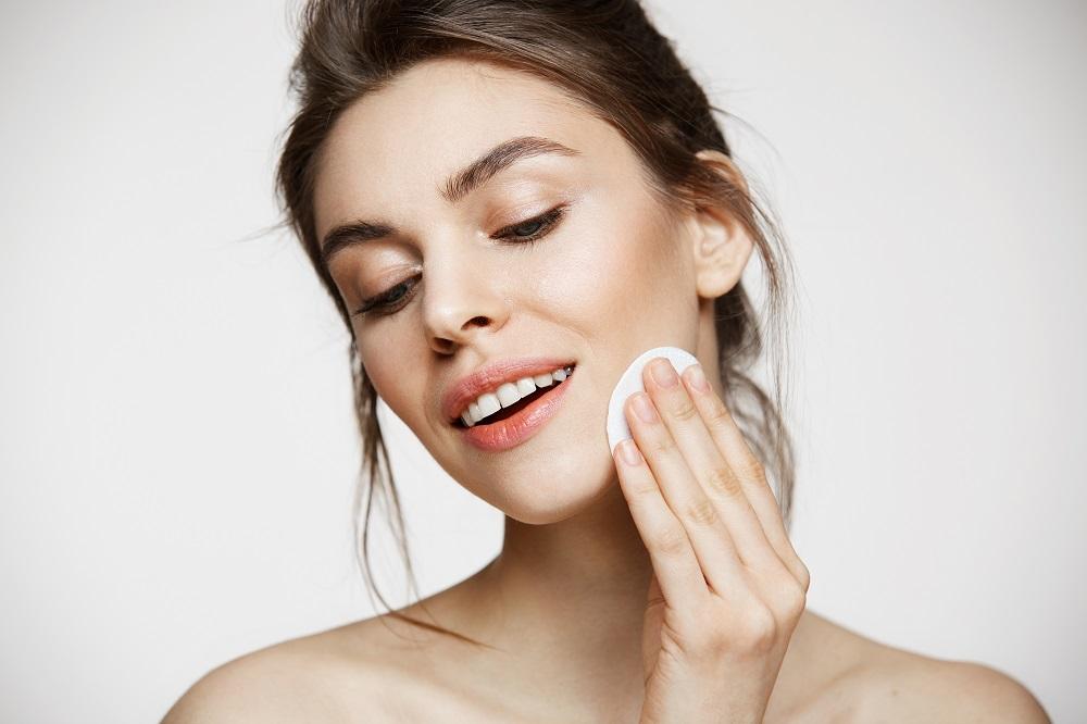 収れん化粧水の正しい使用方法