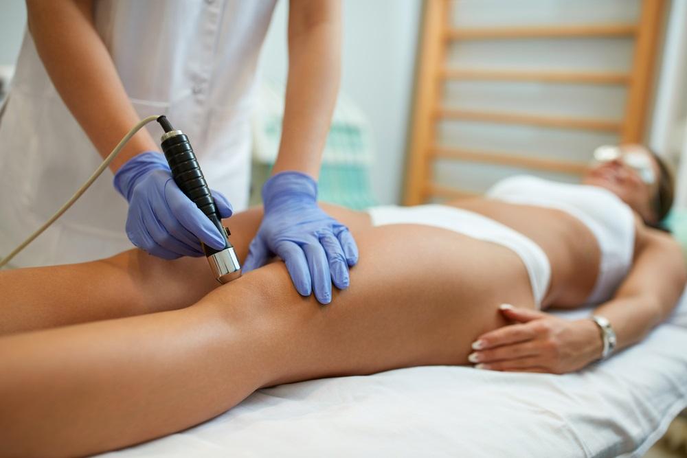 膝の黒ずみは医療機関で治療できる?