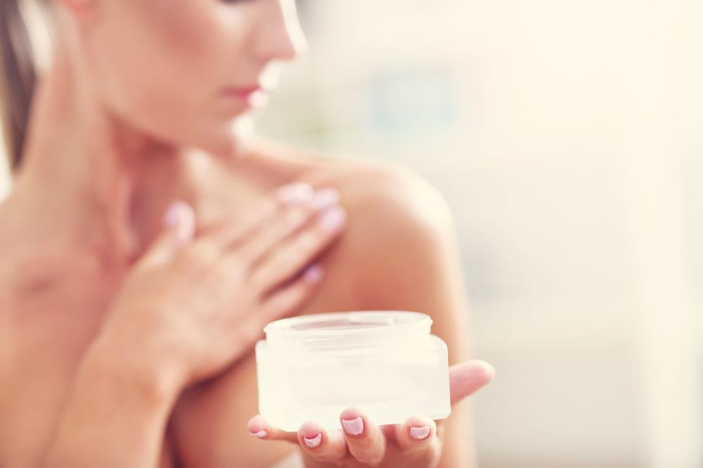 乳首の黒ずみに効く化粧品の選び方