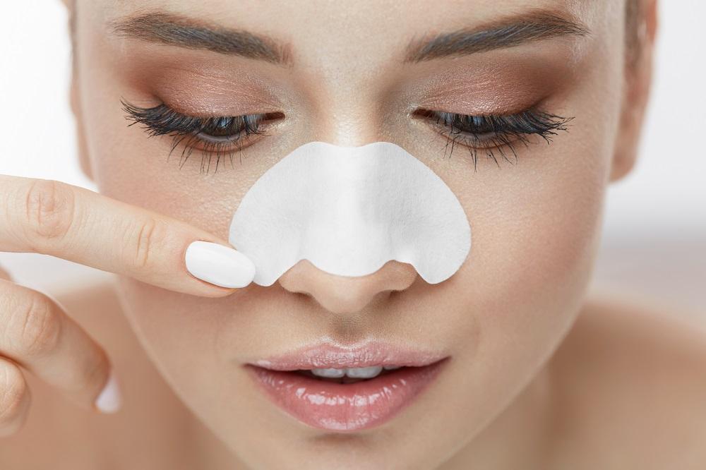 イチゴ鼻の黒ずみ解消アイテムの選び方