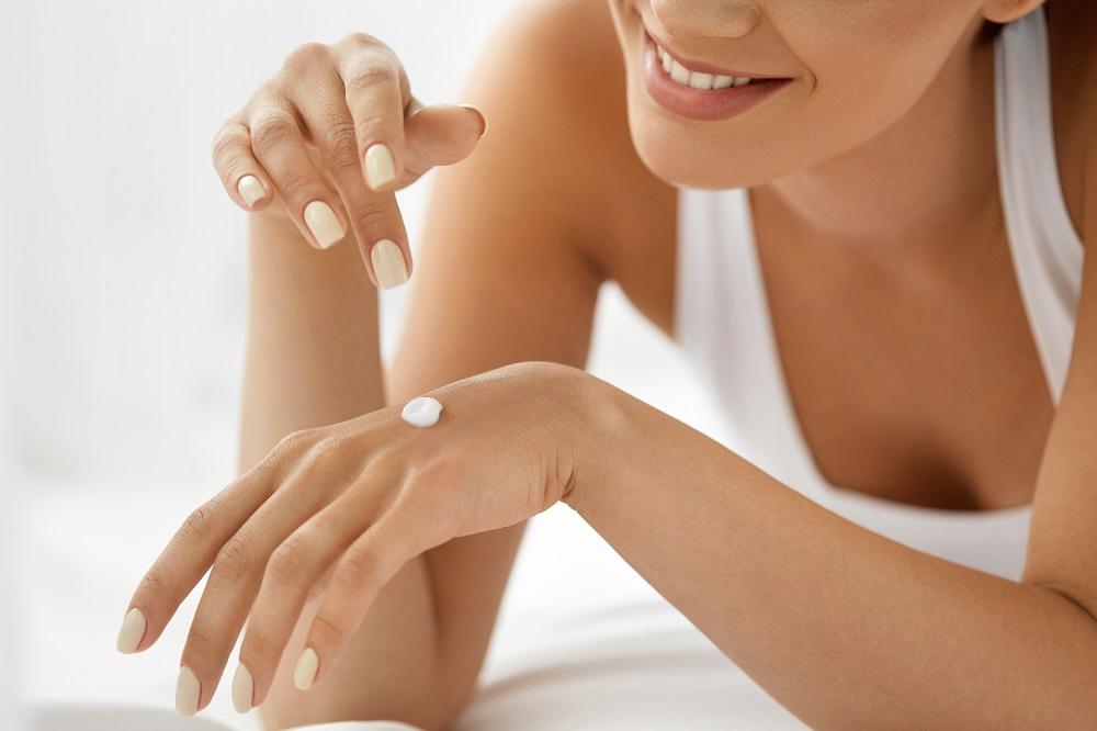 肌の乾燥や刺激の原因は何か?