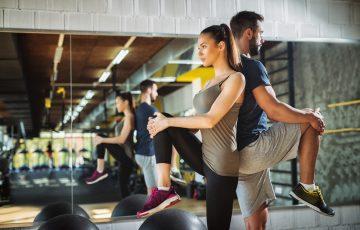 膝の痛みは運動・生活習慣・加齢が原因!原因別予防&対処法