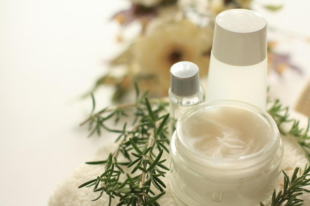 乾燥肌対策乳液と一緒に使うと効果的なアイテム